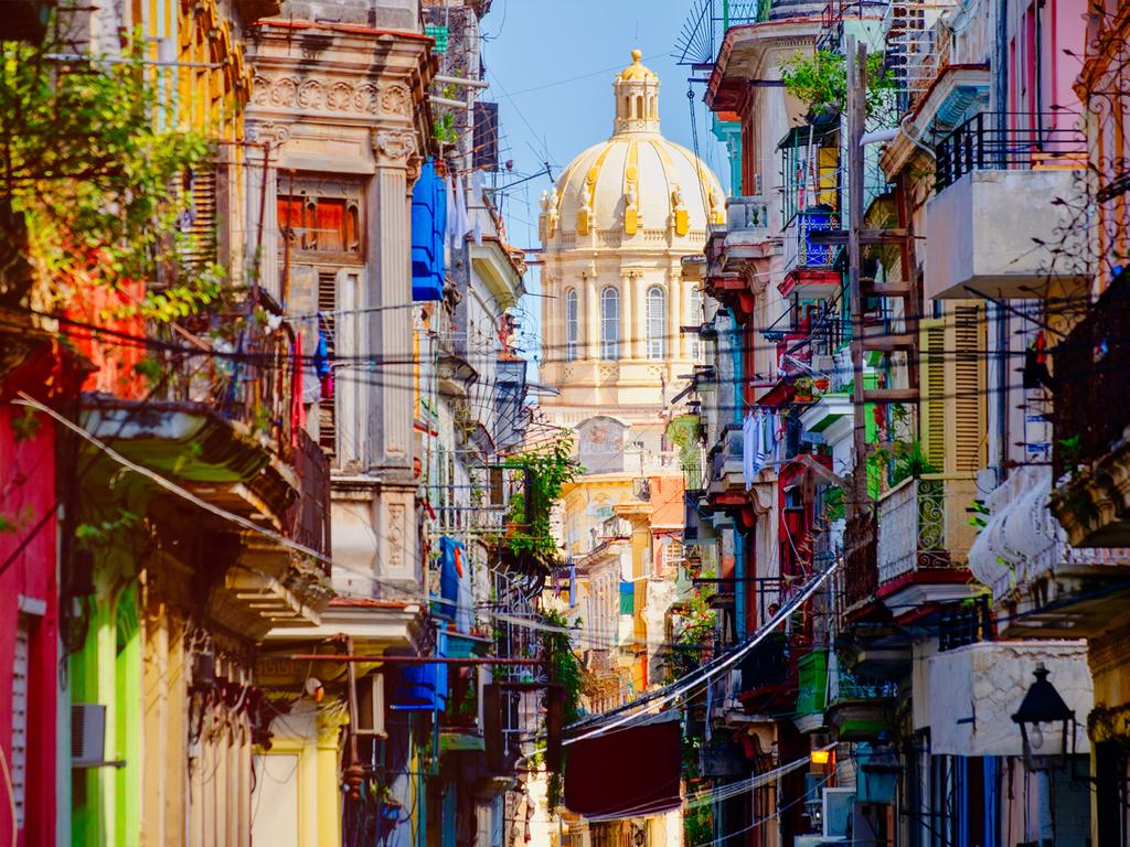 Havanna: Stadtrundgang Habana Vieja, soziales Projekt Arte Corte, Kunsthandwerksmarkt San José, Nachmittag frei