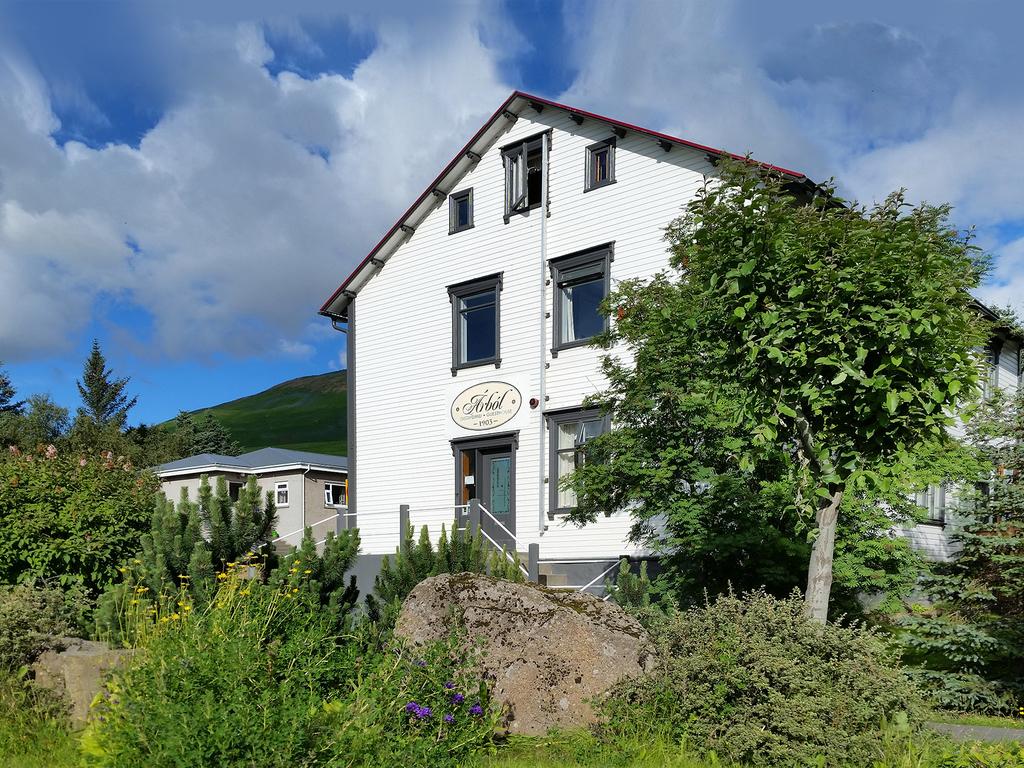 Arbol Guesthouse  in Husavik