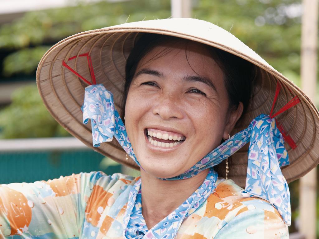 Halong-Bucht – Flug nach Hué: Tai-Chi auf dem Sonnendeck, Insel Titop, Flug nach Hué
