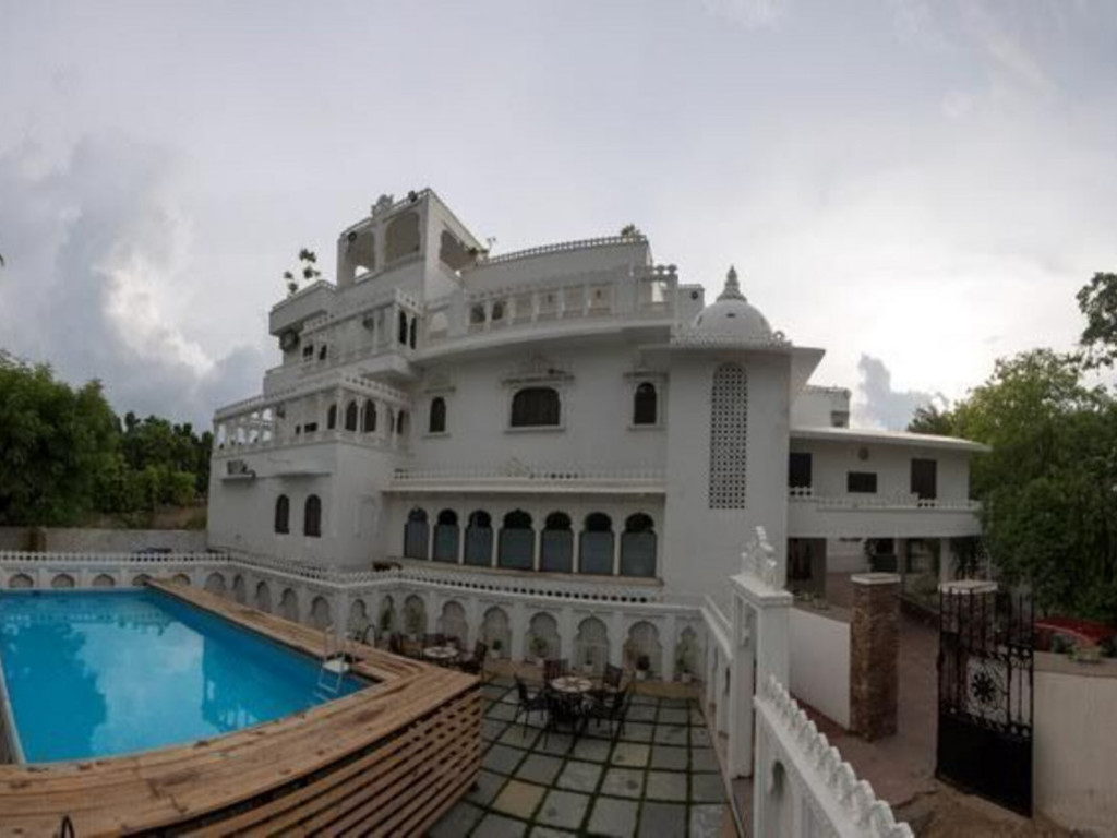 Lavitra *** in Udaipur