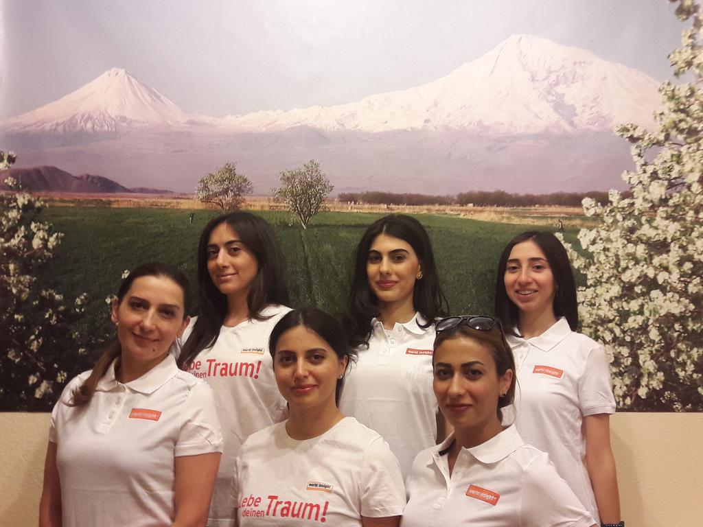 Unser Team in Armenien: Tatev, Arpi, Tatev, Lolita, Manana, Mane (v. L. o.)