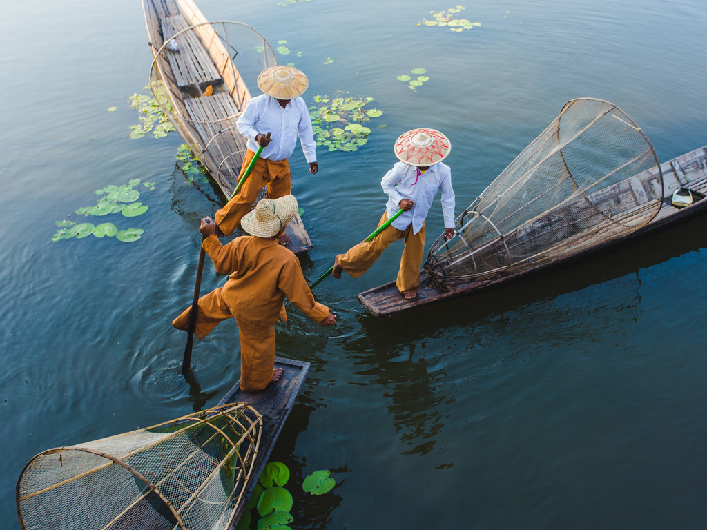 Inle-See: Bootsausflug nach Indein, Nga Phe Chaung-Kloster, Lotos-Weberei und Cheroot-Manufaktur, freier Nachmittag