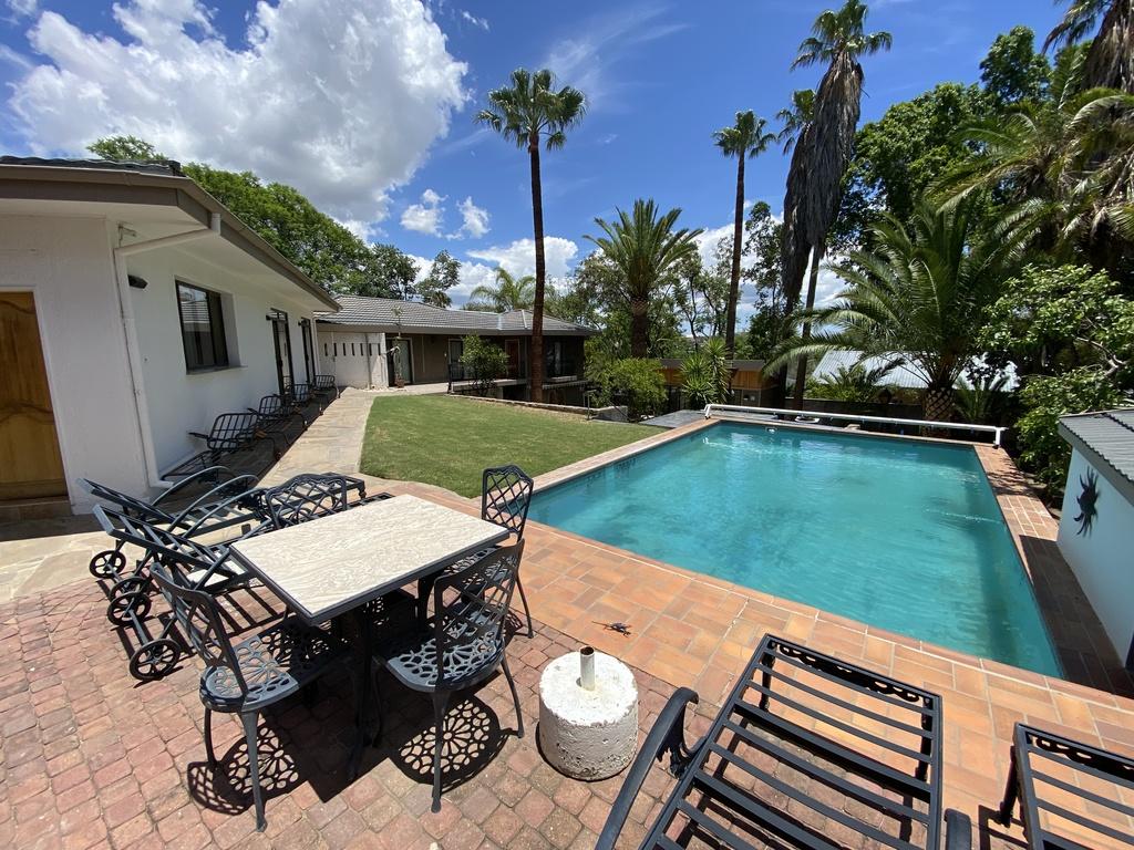 Palmquell *** in Windhoek