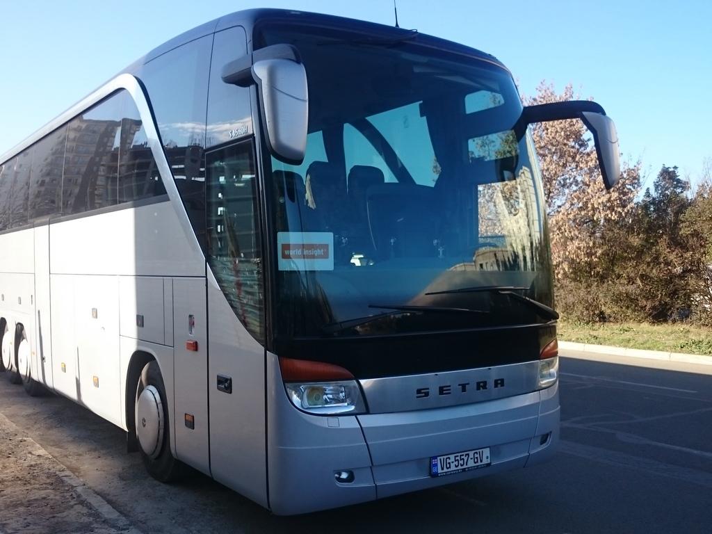 Ein typischer Bus für größere Gruppen ab 13 Personen in Georgien