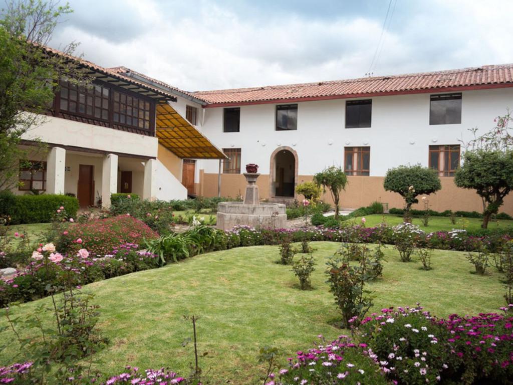 Monasterio San Pedro **(*) in Cuzco