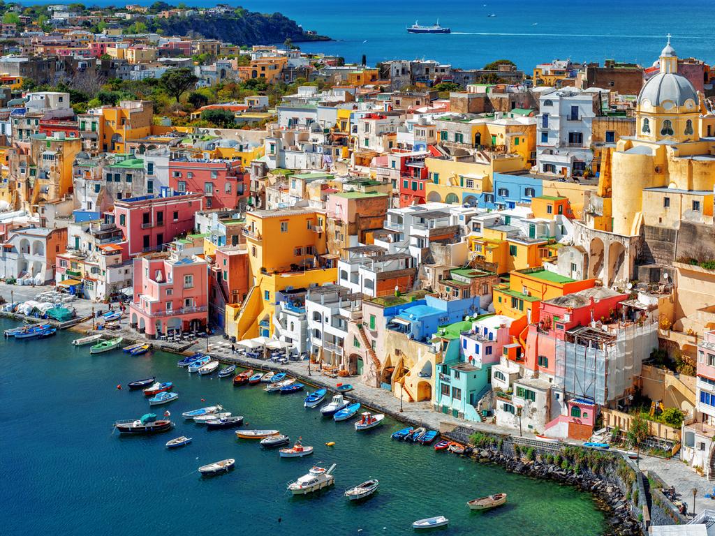 Ausflug nach Procida: Ausflug auf die Nachbarinsel, Wanderung über die Insel und Besuch eines Zitronengartens, am späten Nachmittag zurück nach Ischia