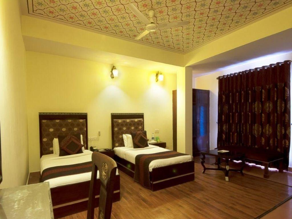 Siris18 *** in Agra