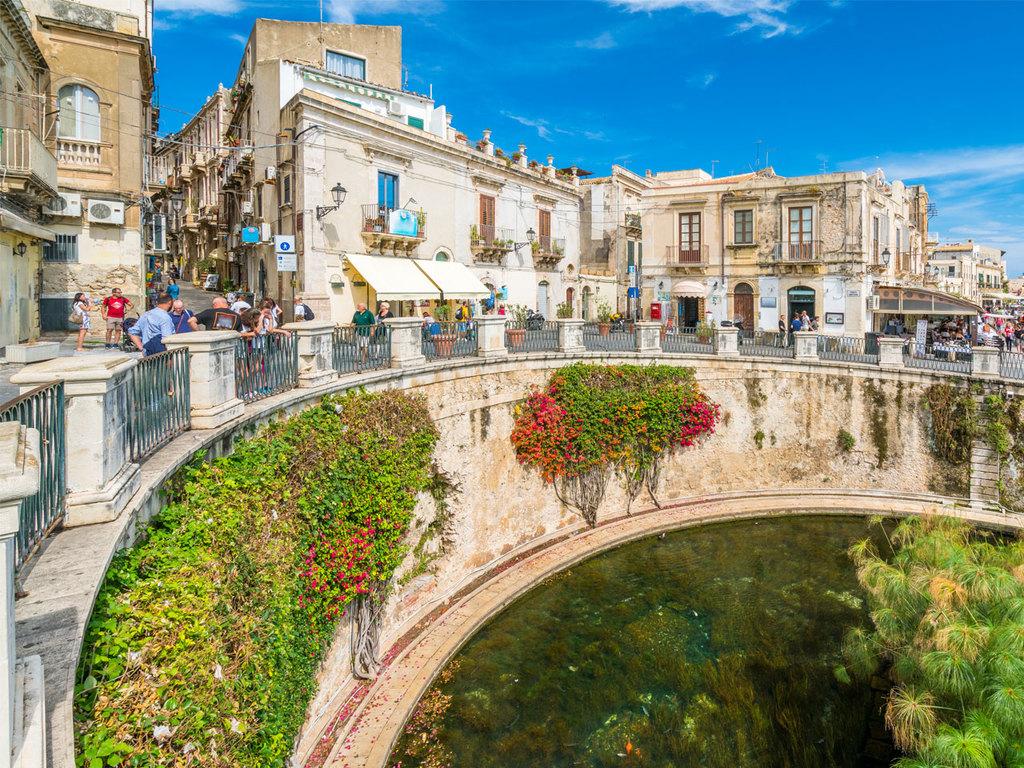 Ausflug nach Syrakus : Besuch des archäologischen Parks Neapolis bei Syrakus, Besichtigung der Altstadt von Syrakus