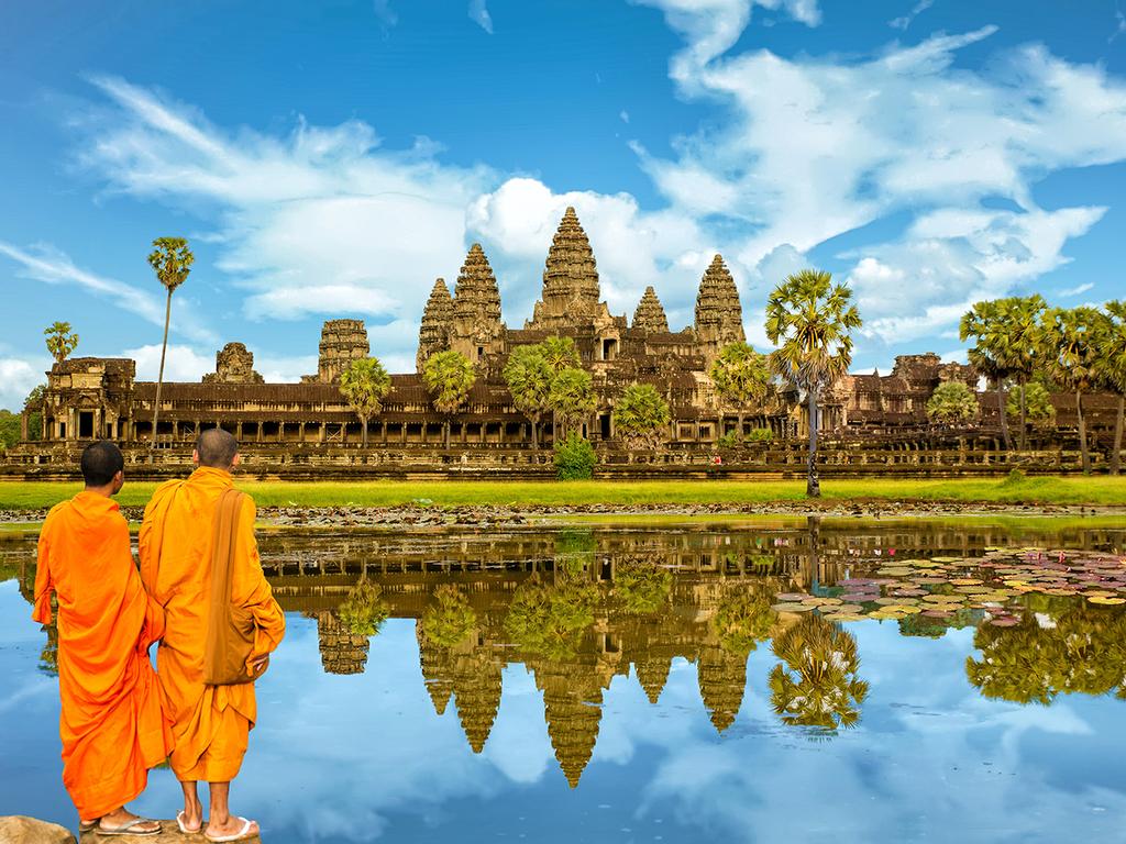 Siem Reap/Angkor: Besichtigungen in Angkor mit dem Bus: Rolous-Gruppe mit Bakong, Banteay Srei, Angkor Wat mit Sonnenuntergang