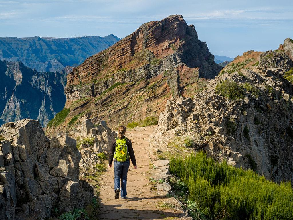 Santana – Pico Ruivo – Park das Queimadas –  Santana: Wanderung von Achada do Teixeira zum Gipfel des Pico Ruivos; Wanderung entlang der Levada do Caldeirão Verde im Park das Queimadas; Rest des Tages zur freien Verfügung
