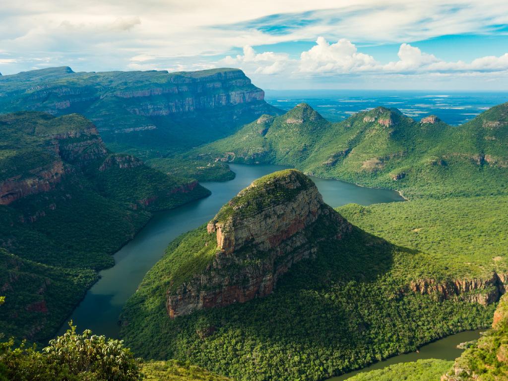 Mpumalanga Region – Pilgrim's Rest – Blyde River Canyon – Timbavati-Wildreservat: Stadtrundgang Pilgrim's Rest, Wanderung am Blyde River Canyon mit Stopps an den Aussichtspunkten God's Window, Bourke's Luck Potholes und Three Rondavels