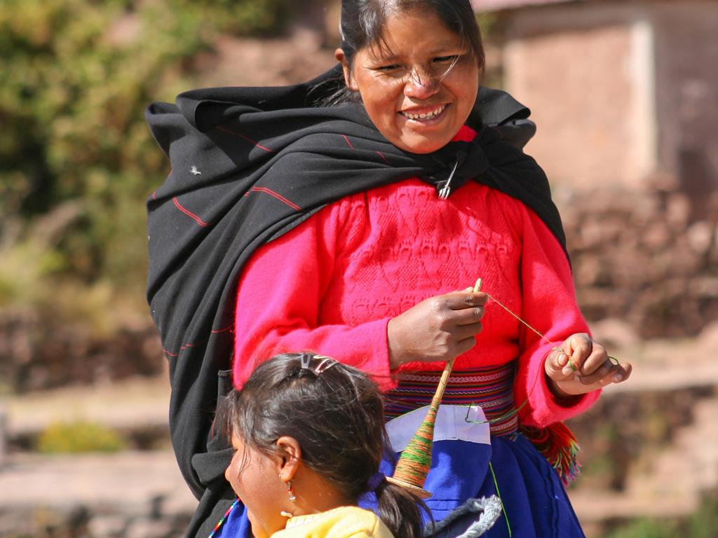 Ibarra – Otavalo – Ibarra: Besuch des Indígena-Marktes in Otavalo, Spaziergang zum Cascada de Peguche-Wasserfall