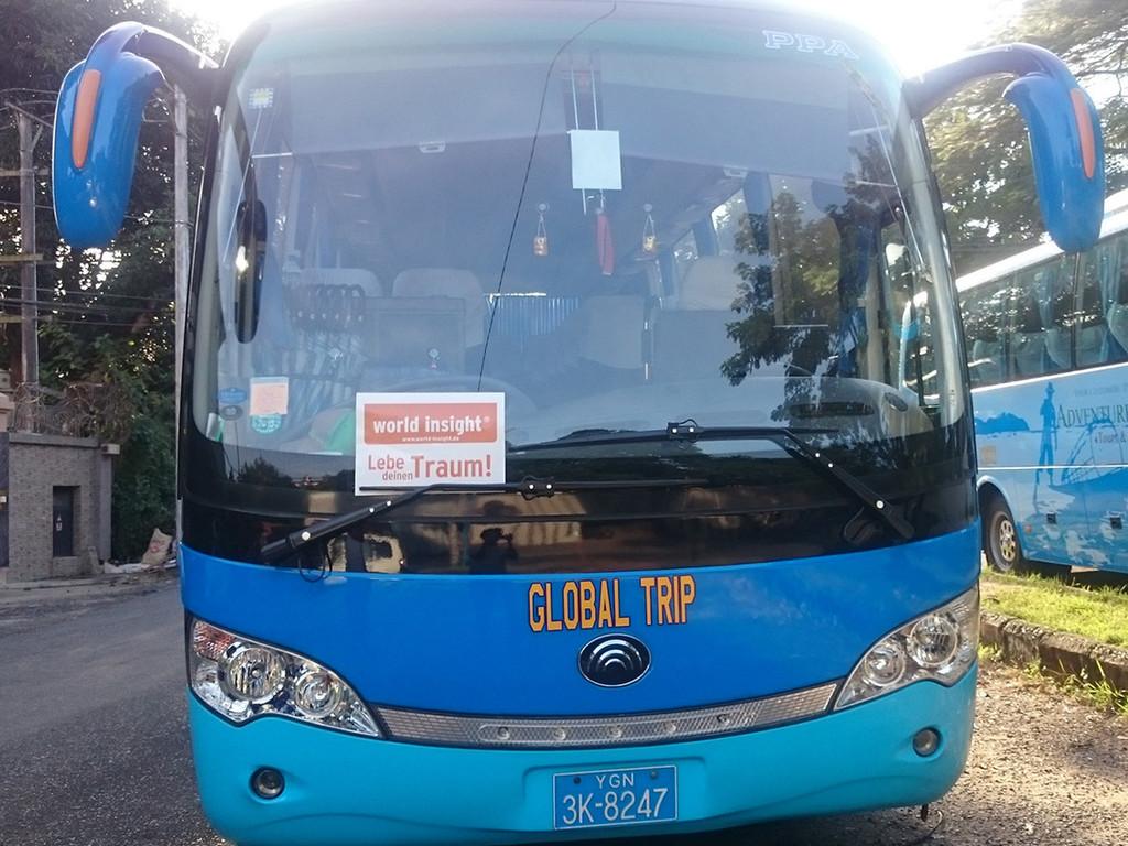 Einer unserer Reisebusse in Myanmar.