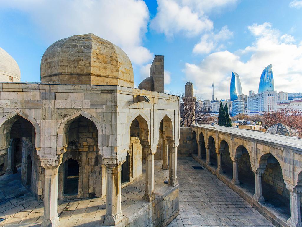 Baku : vormittags Altstadttour, nachmittags Teppichmuseum und Heydar-Aliyev-Zentrum