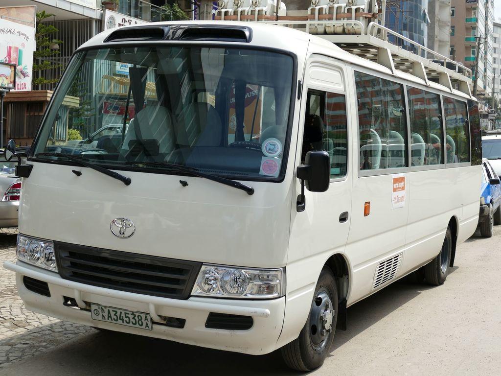 Einer unserer landestypischen Kleinbusse in Äthiopien