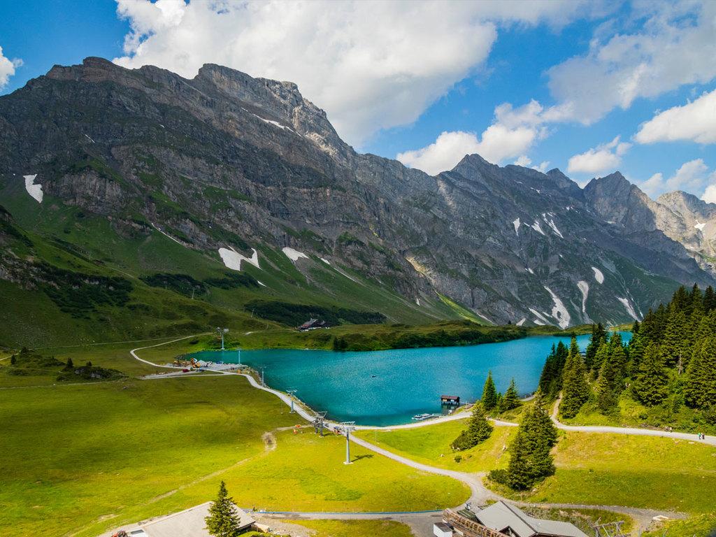 Luzern – Engelberg – Melchtal – Luzern: Fahrt mit der Luftseilbahn nach Engelberg, Vier-Seen-Höhenwanderung, Rückfahrt vom Melchtal mit der Luftseilbahn und dem Postauto