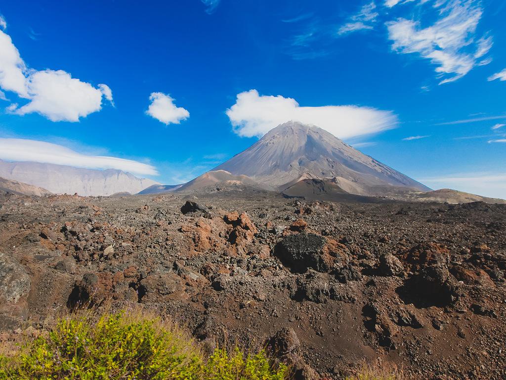 Flug Santiago – Fogo und Vulkanbesteigung Pico Pequeno: Vulkanbesteigung Pico Pequeno und Weinverkostung