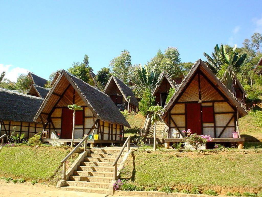 Hotel Feon'ny Ala ** in Andasibe