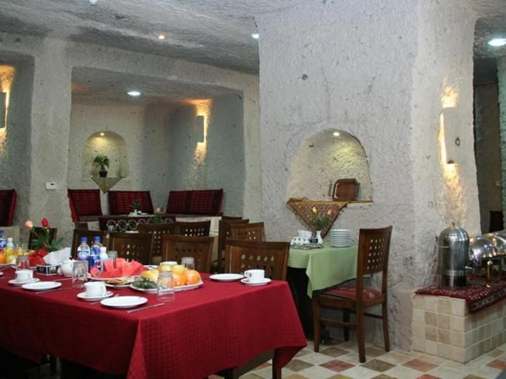 Felsenhotel Laleh *** in Kandovan