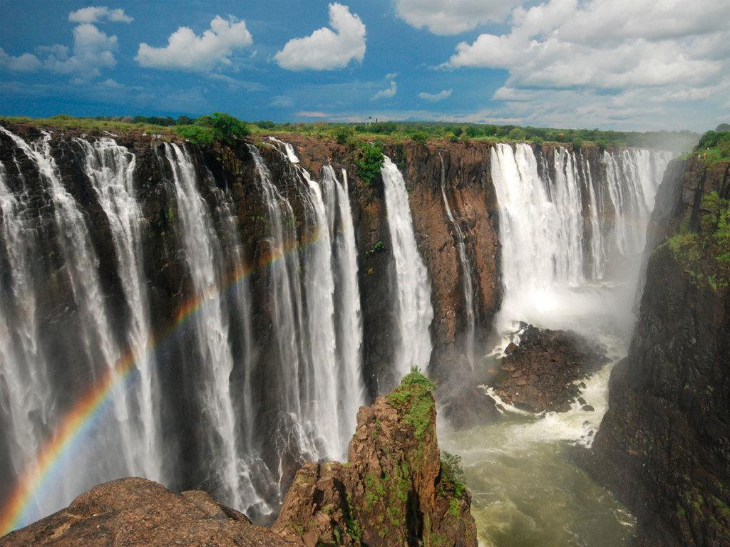 Victoria Falls: Ankunft gegen Mittag, Spaziergang und Besichtigung der Victoriafälle