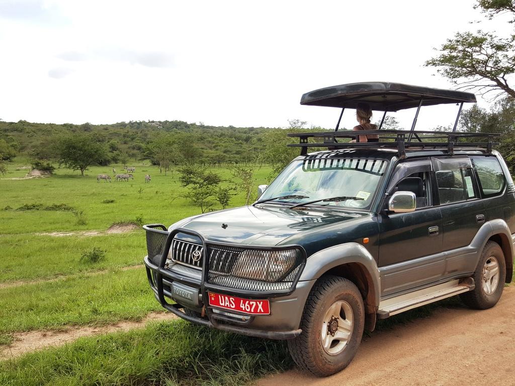 Einer unserer Minivans im Süden Ugandas und Ruandas