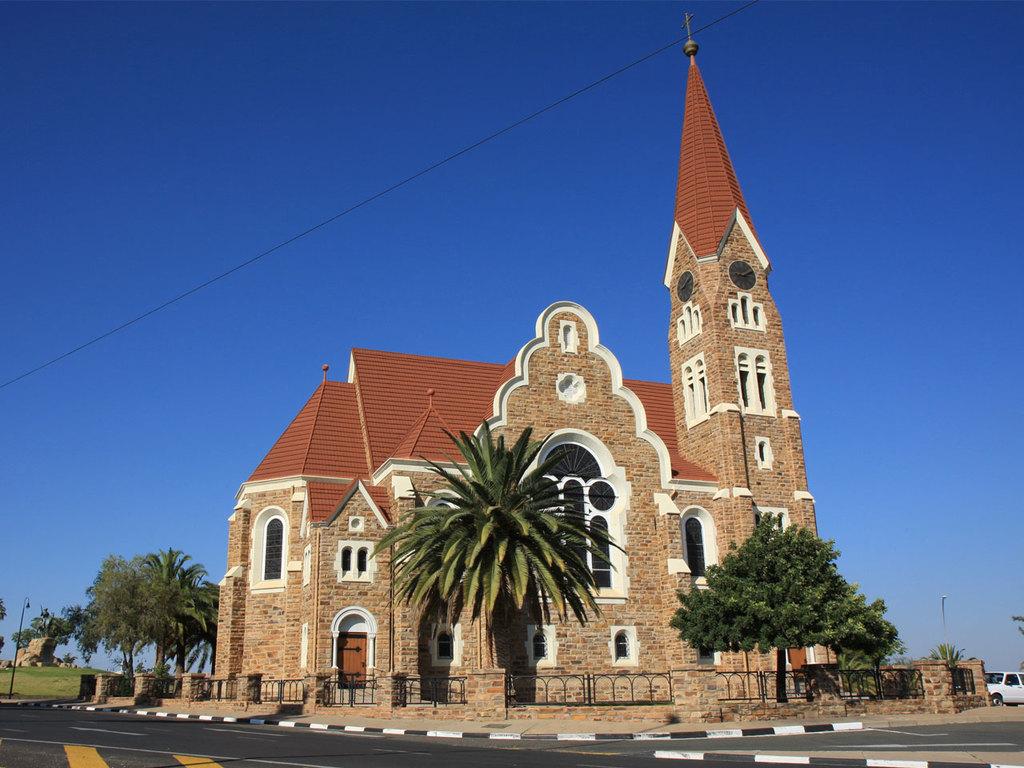 Windhoek: Ankunft, Transfer, kurze Stadtrundfahrt und -spaziergang