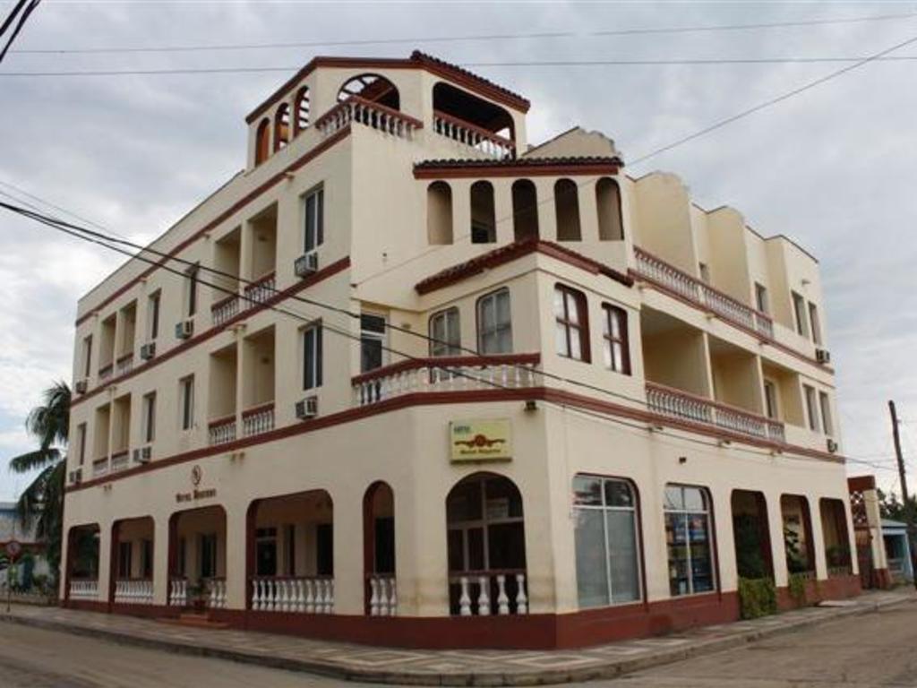 Hotel Niquero ** in Niquero