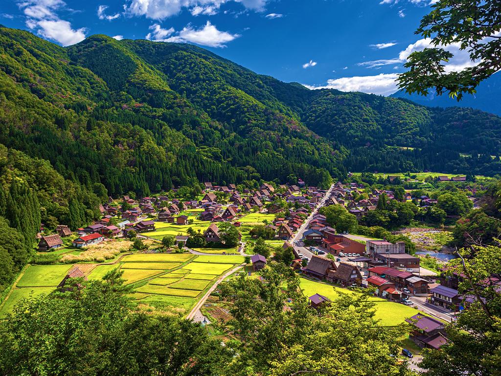 Takayama – Shirakawago – Kanazawa: Spaziergang im UNESCO-Weltkulturerbe Shirakawago, freier Nachmittag in Kanazawa