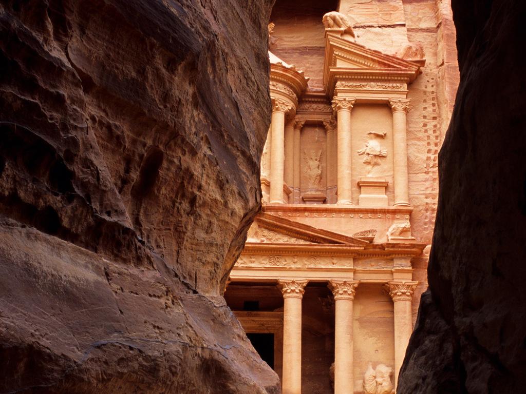 Wadi Musa/ Petra: Entdeckungstour durch die Felsenschlucht, berühmtes Schatzhaus, Cardo Maximus