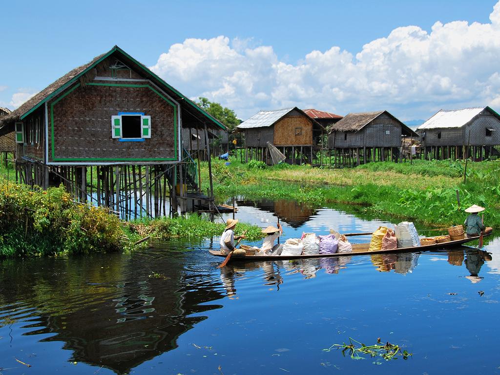 Inle-See: Phaung Daw U-Pagode, schwimmende Gärten, Bootsausflug nach Indein, Besuch verschiedener Handwerksbetriebe