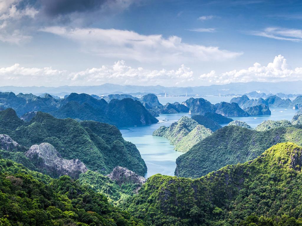Ninh Binh – Halong-Bucht: UNESCO-Weltnaturerbe mit Übernachtung auf einer Dschunke