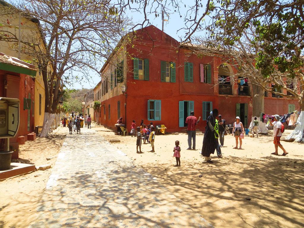 Dakar: Fährfahrt zur Insel Gorée mit Rundgang, nachmittags Stadterkundung Dakar