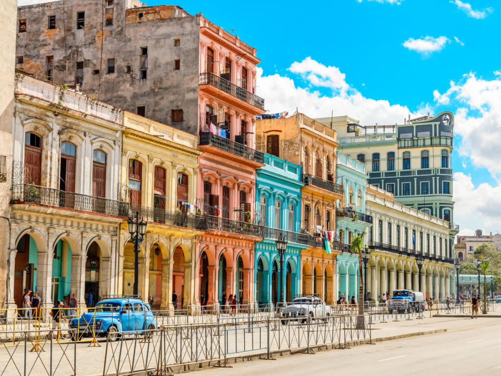 Havanna: Citytour Altstadt mit Kunsthandwerksmarkt, soziales Projekt Artecorte