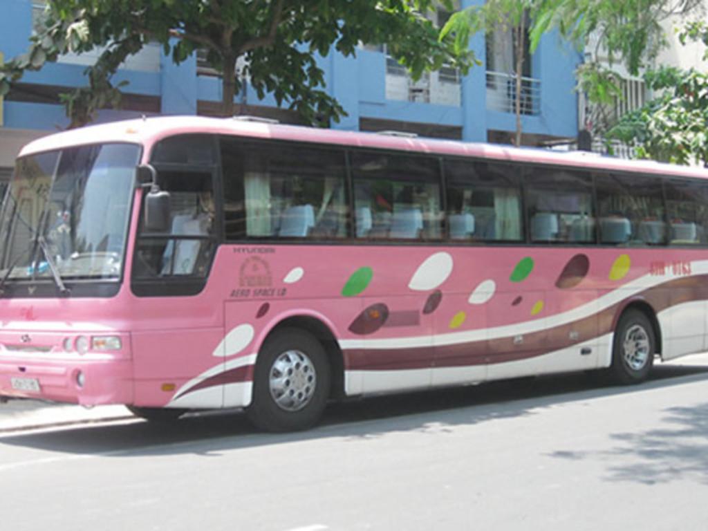 Einer unserer Reisebusse in Thailand.