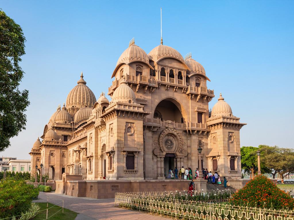 Kolkata: Ankunft und Transfer zum Hotel, Stadtrundfahrt (optional), Freizeit