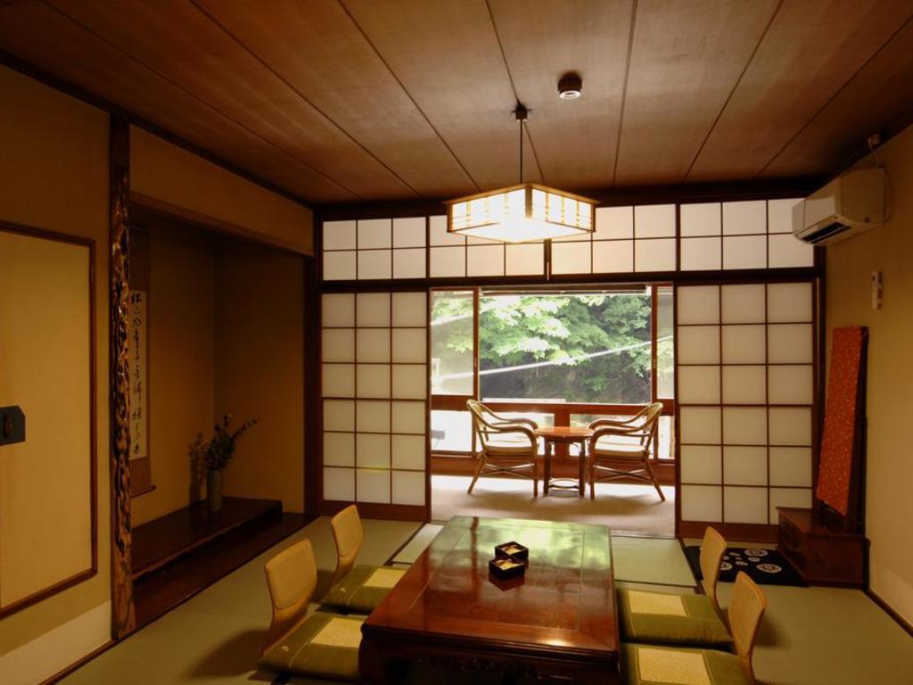 Ryokan Ichinoyu Honkan*** im Fuji-Hakone-Nationalpark