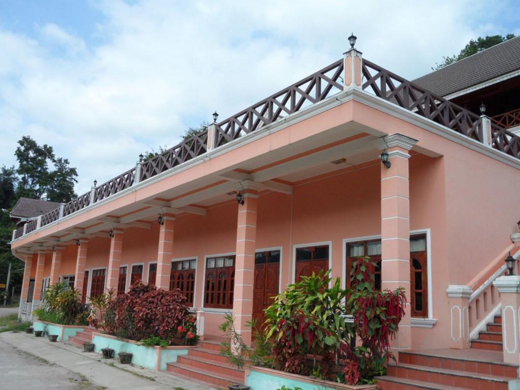 Phetsokxai Hotel ** in Pakbeng