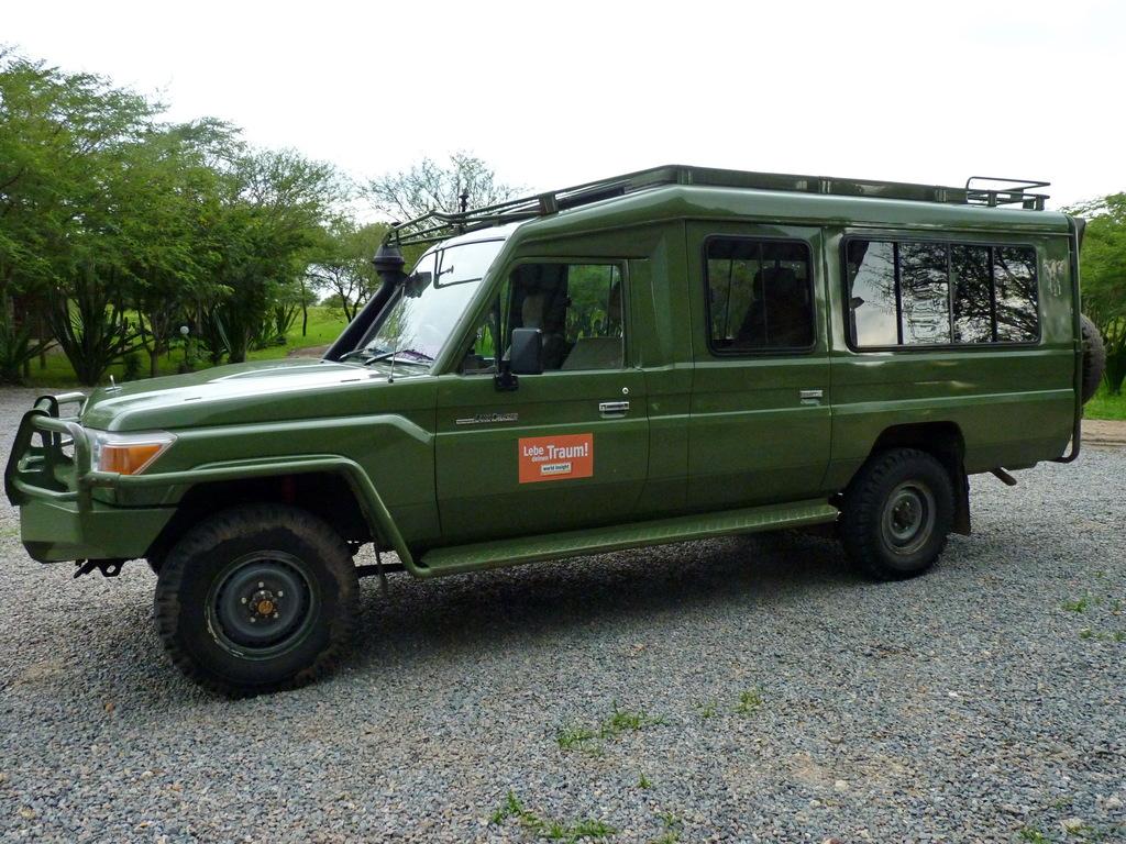 Einer unserer Jeeps in Tansania
