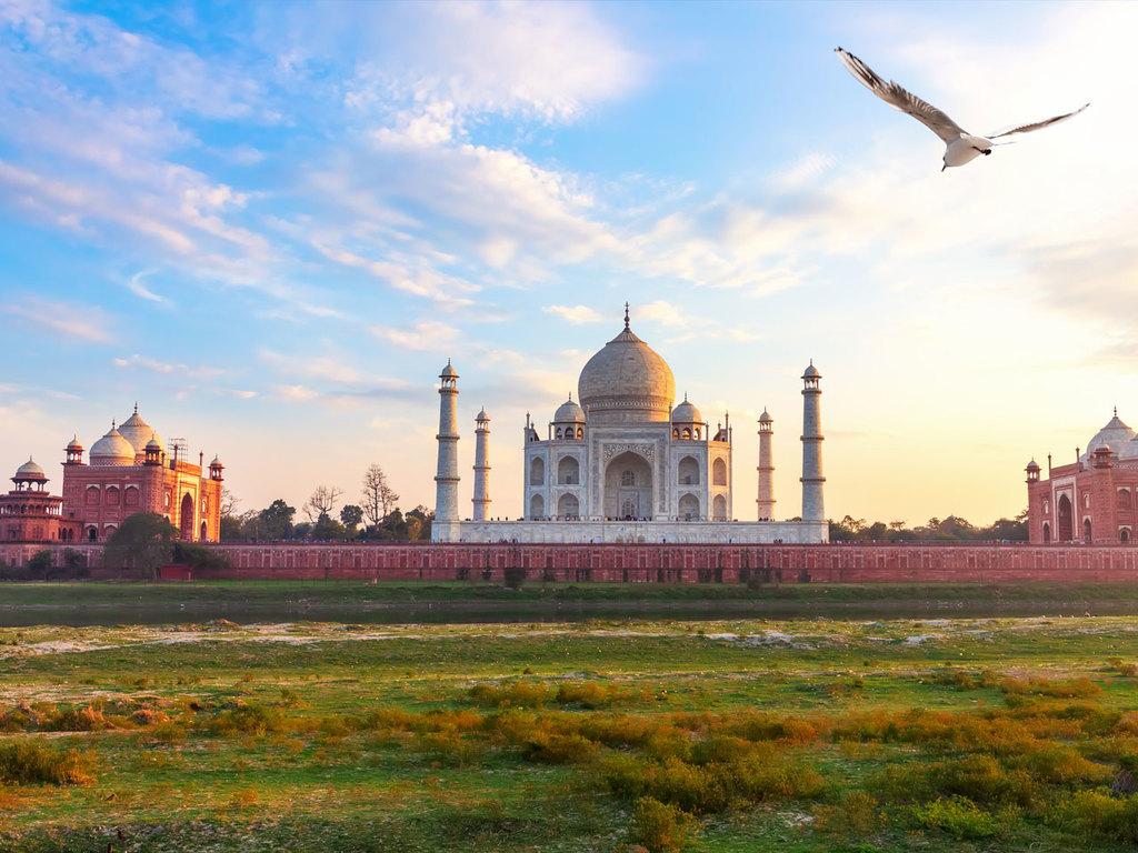 Agra: Highlights Taj Mahal und Rotes Fort, Marktbesuch, Garten Methab Bagh zum Sonnenuntergang