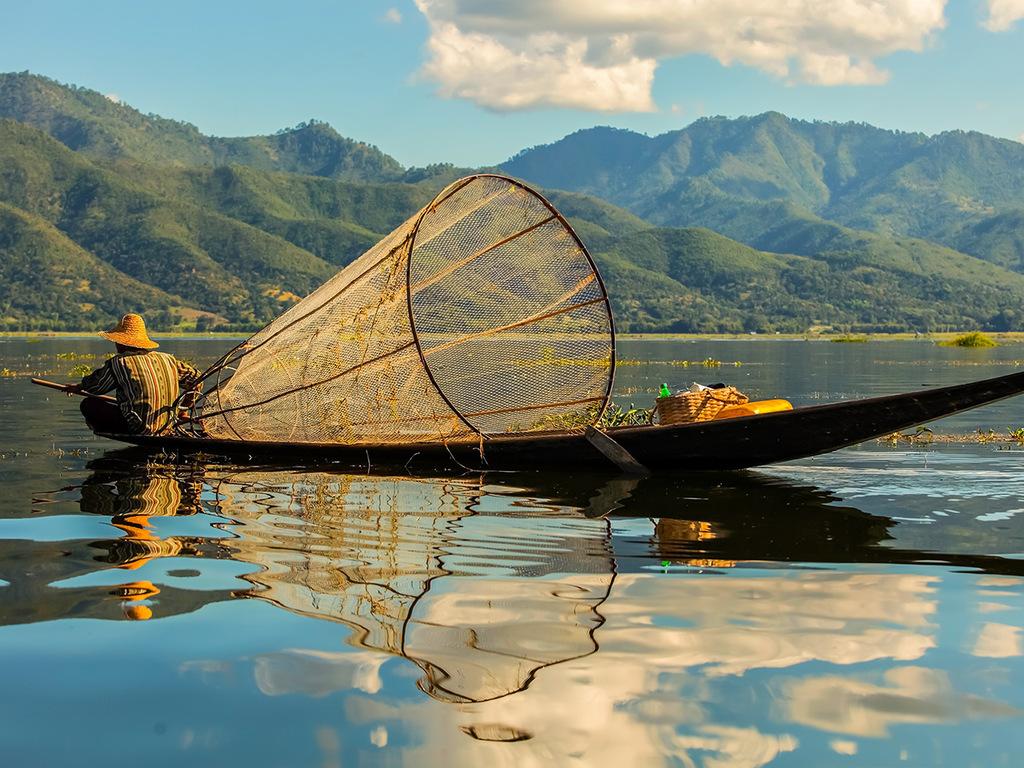 Nyaung Shwe (Inle-See): Phaung Daw U-Pagode, schwimmende Gärten, Indein, Nga Phae Chaunng-Kloster, Lotos-Weberei, Cheroot-Manufaktur