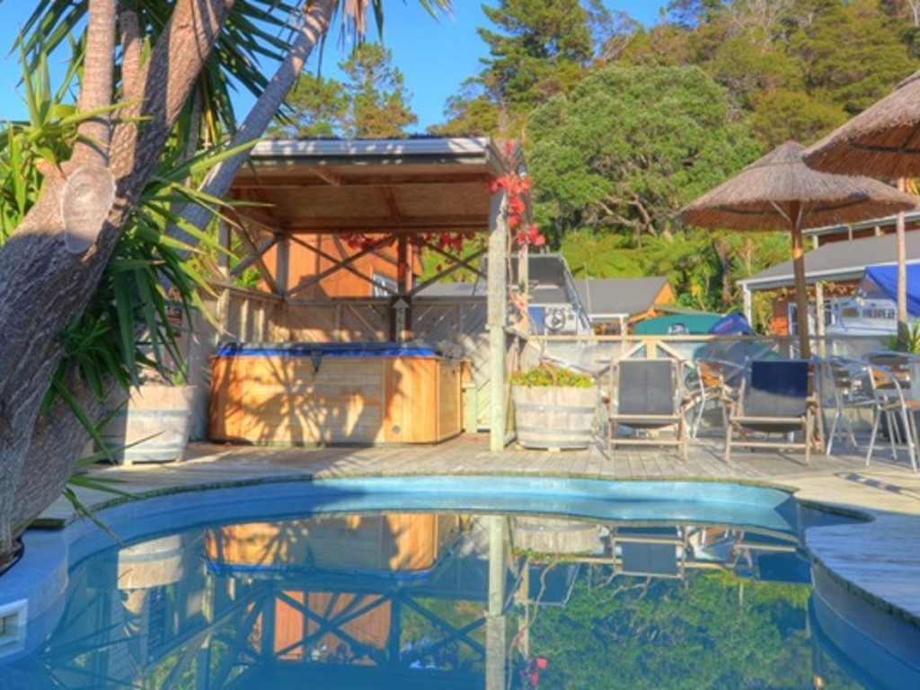 Anchor Lodge *** in Coromandel