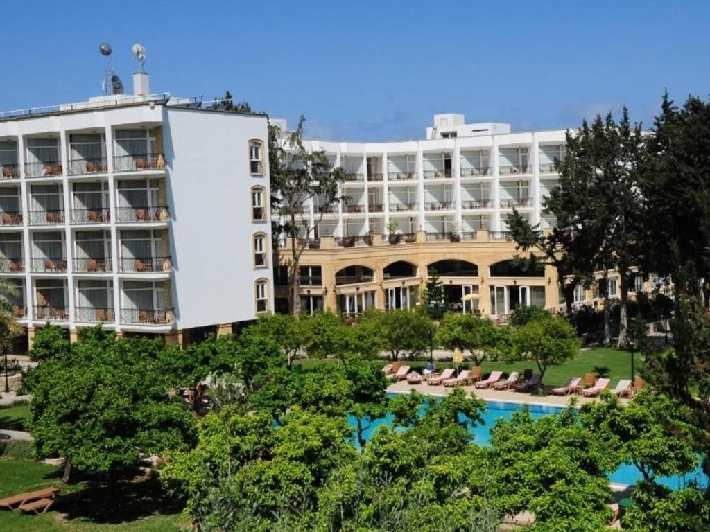 Pia Bella **** in Kyrenia