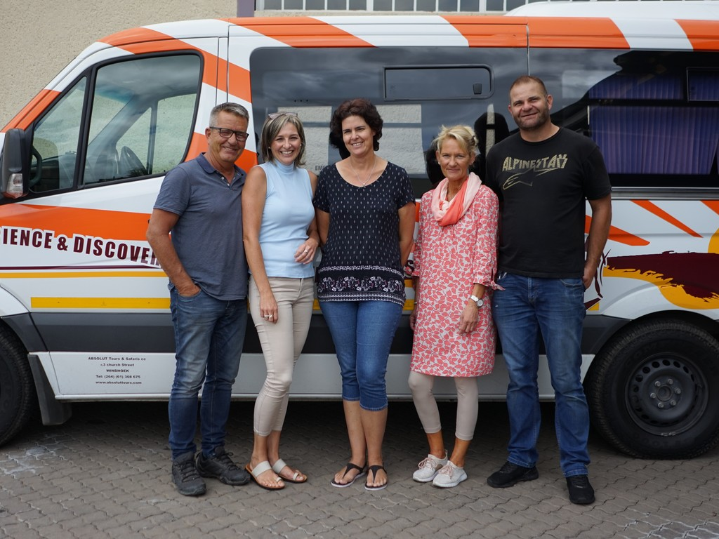 Unser Team rund um Andrea in Windhoek, Namibia