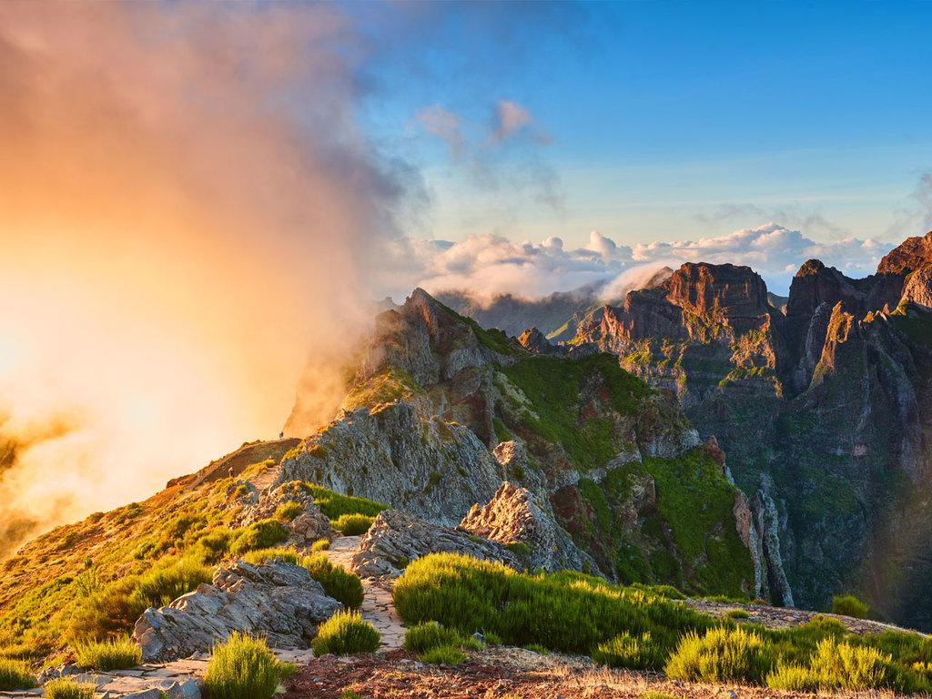 Santo António da Serra – Pico do Arieiro – Pico Ruivo – Santana : ganztägige Wanderung vom Pico do Arieiro über Pico Ruivo bis Achada do Teixeira