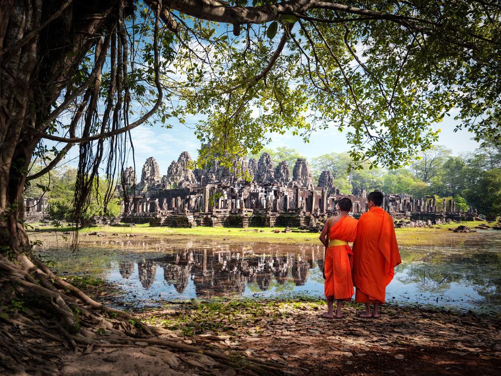 Siem Reap/Angkor: Bayon-Tempel, Angkor Thom, Banteay Samre, Nachmittag frei, Abendessen mit Apsara-Tänzen