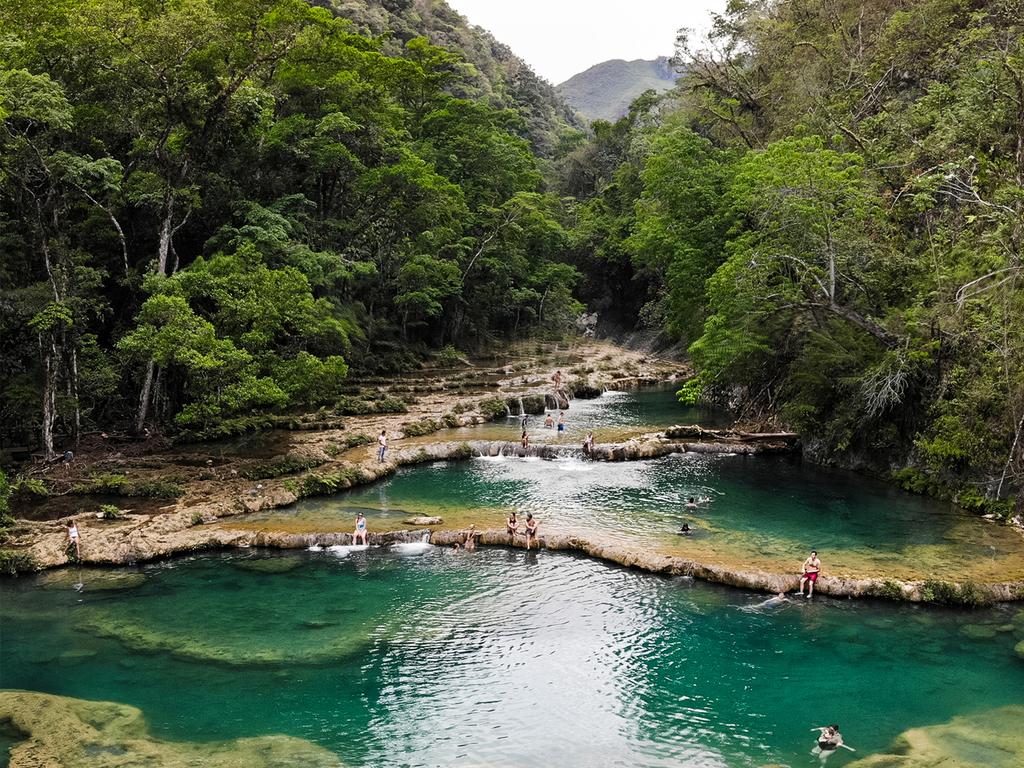 Lanquin – Semuc Champey – Lanquin: Wanderung bei den Sinterterrassen von Semuc Champey mit Bademöglichkeit
