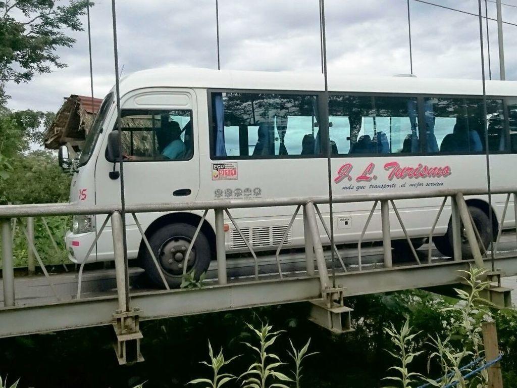 Einer unserer Minibusse in Ecuador
