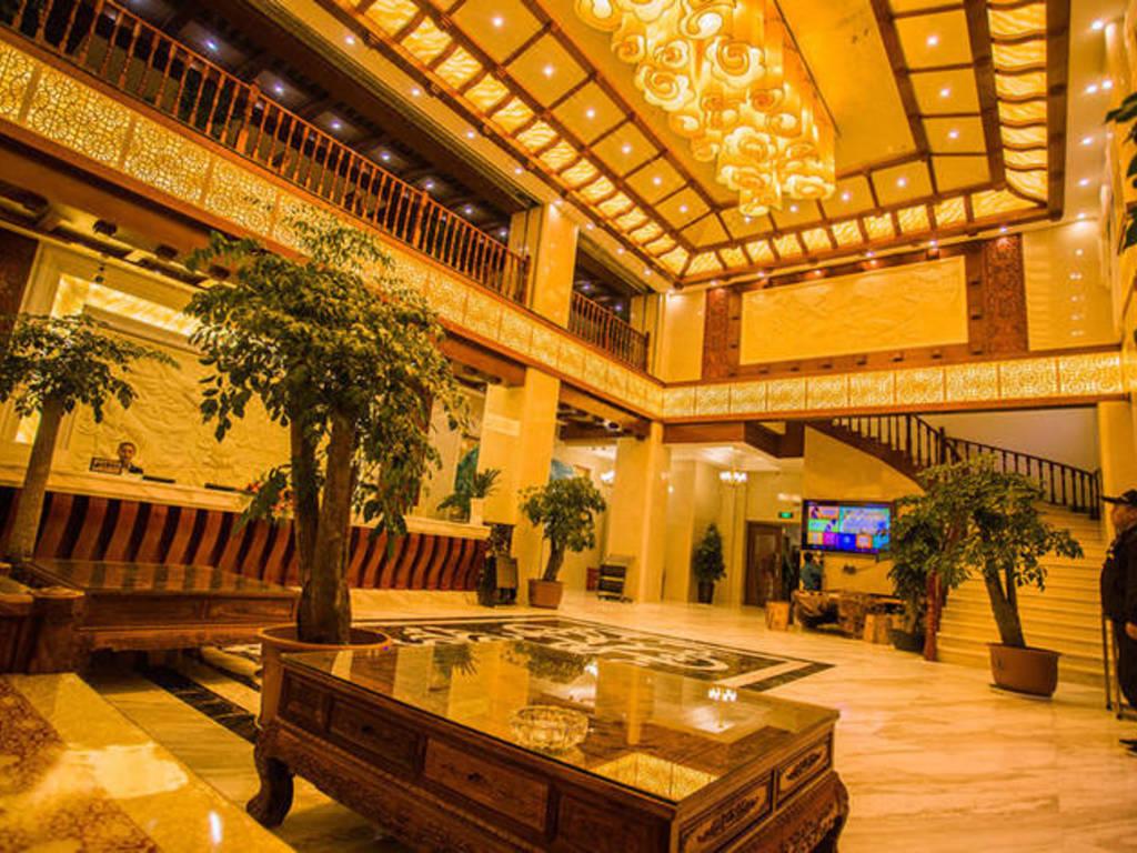 Hotel Moonlight*** in Shangri-la