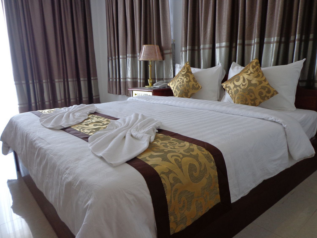 Hotel Mekong Dolphine** in Kratie