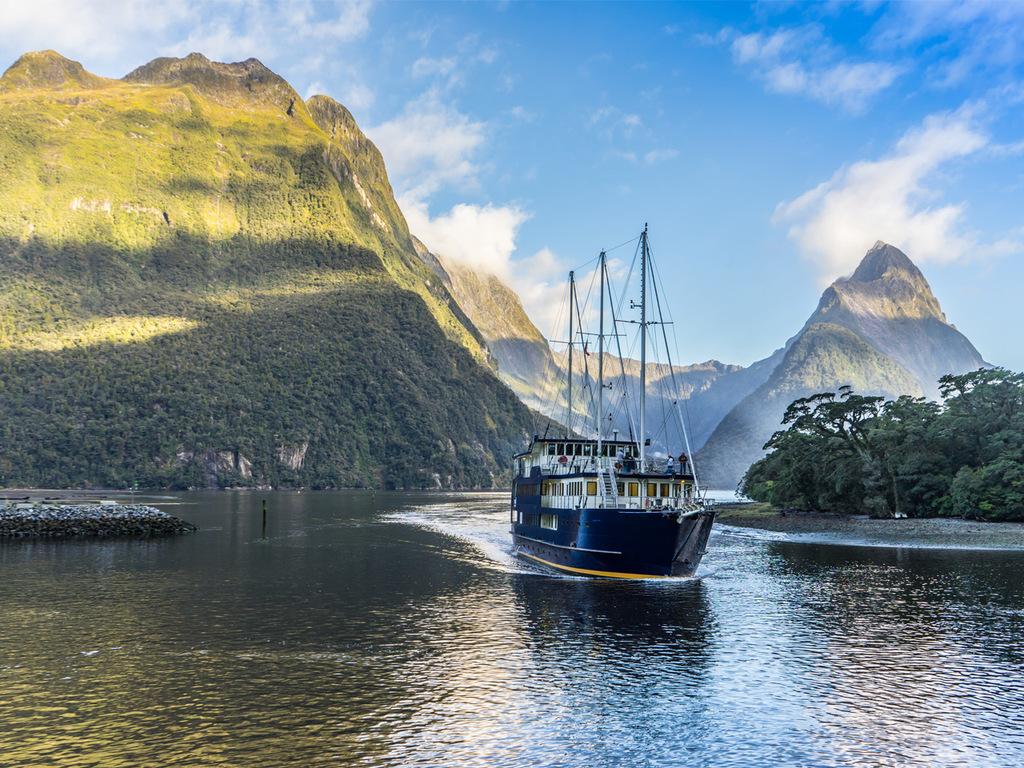 Te Anau – Milford Sound – Te Anau : Freizeit im Milford-Nationalpark, Vogelschutzgebiet